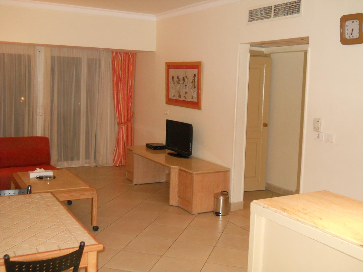 First Class Naama Bay Apartments, фото 39