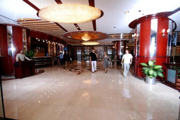 Al Bustan Tower Hotel Suites, фото 2