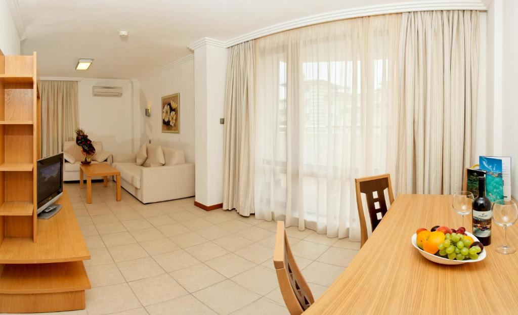 Two Bedroom Apartment, фото 1