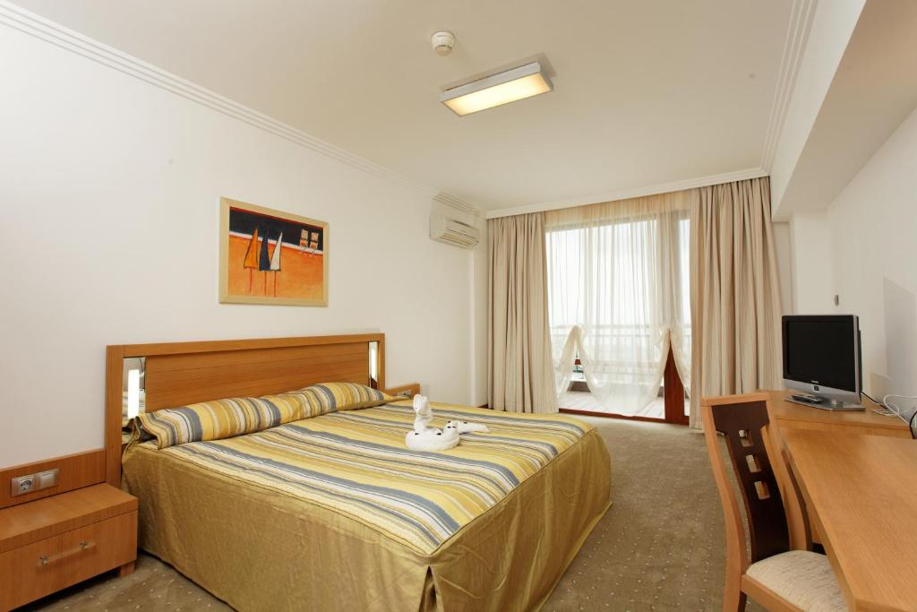 Two Bedroom Apartment, фото 3